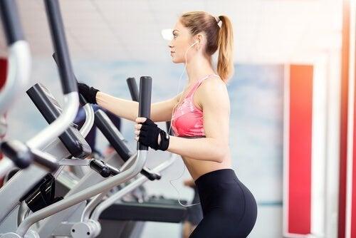 Crosstrainer helfen dabei, deine Wadenmuskeln zu stärken