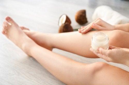Kosmetische Anwendung von Kokosessig