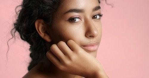 Natürliche Schönheit ohne Make-up: 5 Tipps