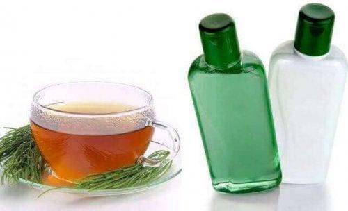 4 natürliche Shampoos, die du zuhause herstellen kannst