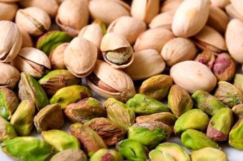 Das Essen von Nüssen kann den Hunger zwischen den Mahlzeiten beruhigen