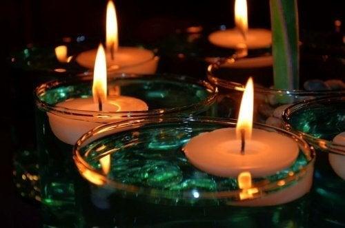 Vorteile von schwimmenden Kerzen: Sie sind leuchtende Blickfänger