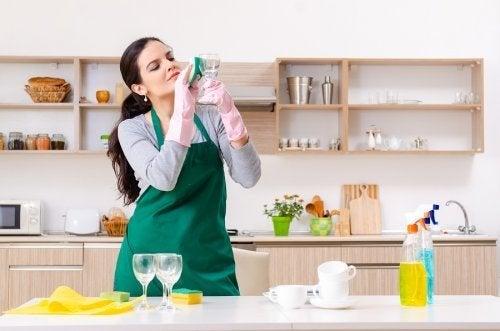 Glasreiniger: 5 alternative Verwendungsmöglichkeiten