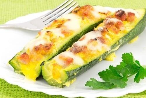 Köstliche gefüllte Zucchini