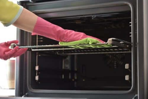 Backblech reinigen mit diesen sieben Tipps