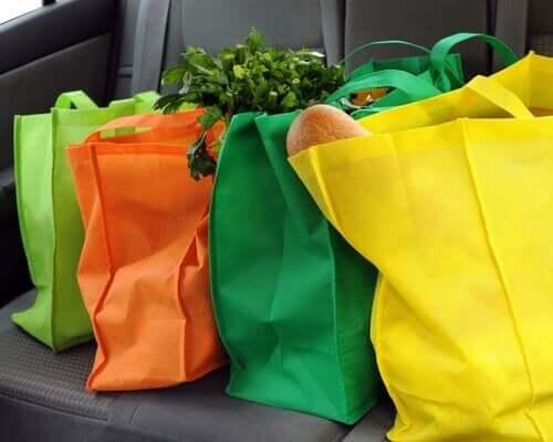 Farbige Stofftaschen