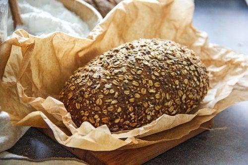 2 einfache Rezepte für Low-Carb-Brot
