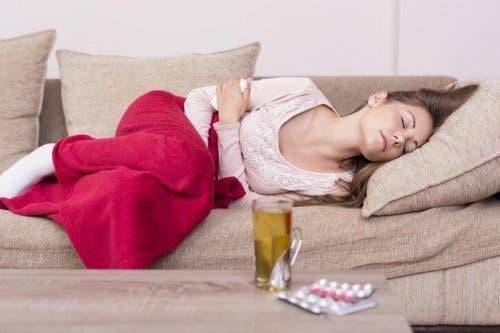 Natürliche Heilmittel gegen Menstruationsbeschwerden