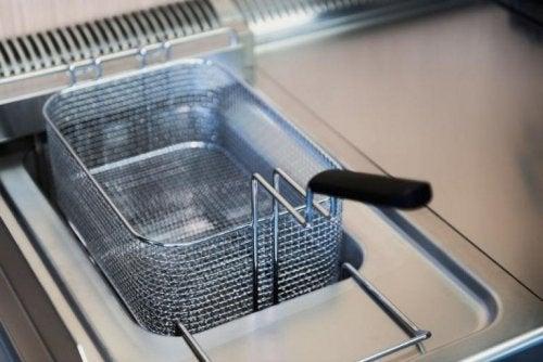 Einfache Lösungen zur Reinigung der Friteuse