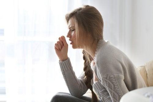 Primäre und sekundäre Kopfschmerzen durch Husten