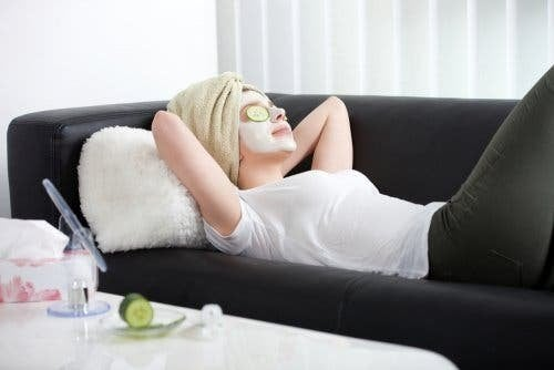 Auch Gesichtsmasken können die Haut gründlich reinigen