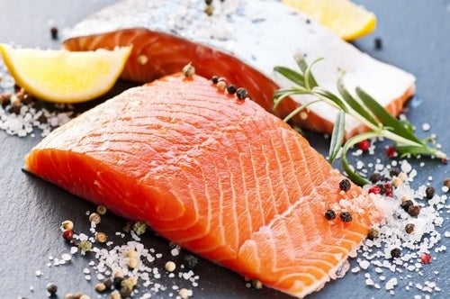 Bauchfett loswerden: empfohlene Lebensmittel, die dabei helfen