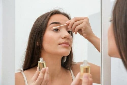 Haut gründlich reinigen auf Basis von Öl