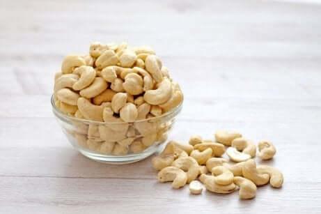 Pflanzliche Sahne mit Cashew-Nüssen
