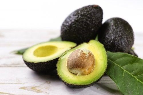 3 gesunde Rezepte mit Avocado
