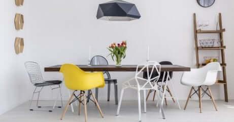 Dekoideen: Runde Stühle und Sessel