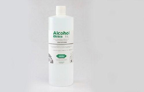 Mit Alkohol Fettflecken entfernen