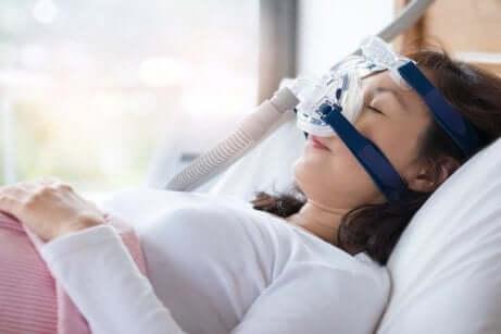 Überdruckbeatmung (CPAP) gegen Schnarchen