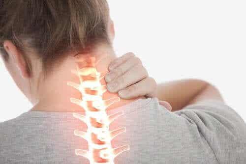 Steifer Hals - Symptome und Behandlung