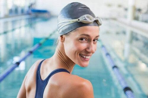 Badekappe schützt vor Chlor