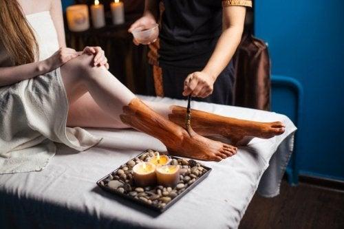 Fußbad mit Tonerde für geschmeidige Haut
