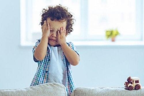 Kind mit Gehirnerschütterung