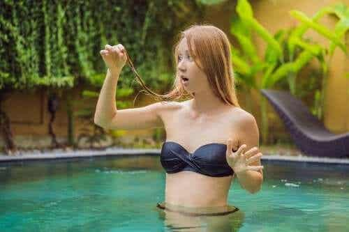 Chlor schädigt das Haar: So kannst du es schützen!