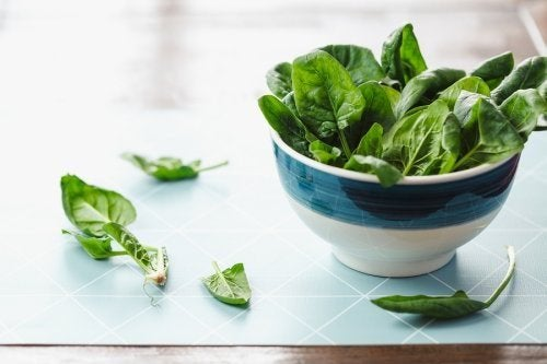 Warum du rohen Spinat essen solltest, 5 Vorteile