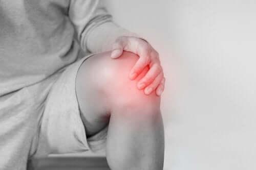 Kniegelenksluxation: Ursachen und Behandlung