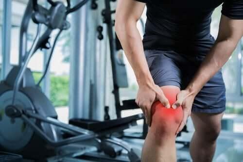 Schmerzen aufgrund einer Muskelzerrung
