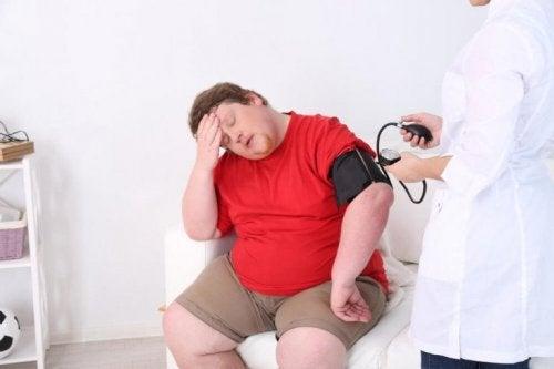 Herzrkanke und krankhaft übergewichtige Menschen
