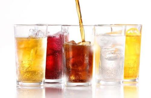 Machen zuckerfreie Erfrischungsgetränke dick?