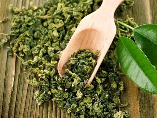 Grüner Tee gegen Akne