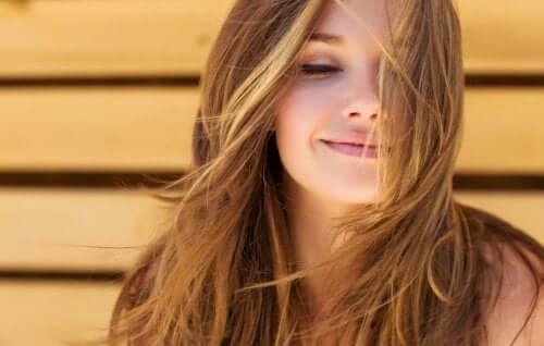 Schönes Haar muss gepflegt werden