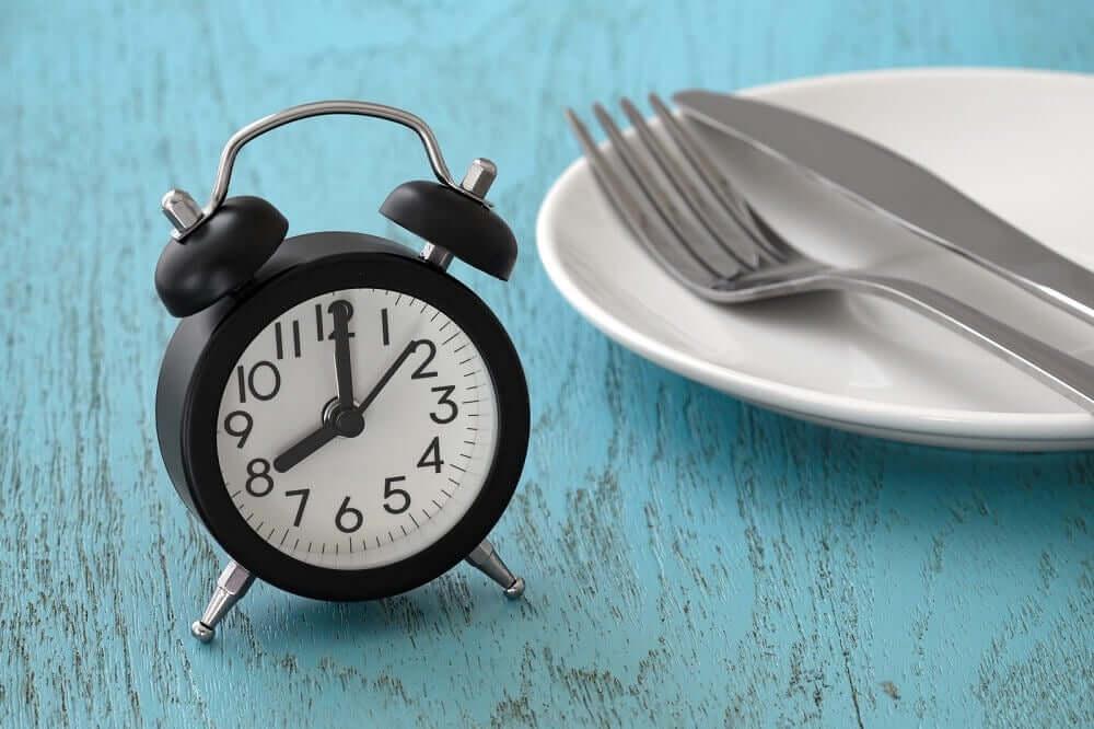 Was ist das intermittierende Fasten?