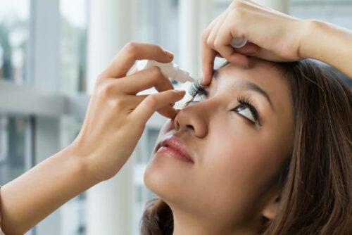 Oxymetazolin für die Augen: Wann wird es angewandt?