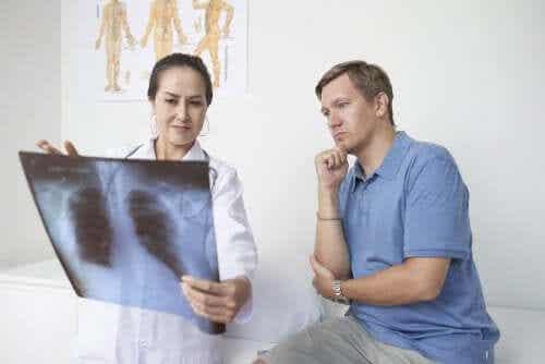 Pleuritis: Symptome, Ursachen und Behandlung
