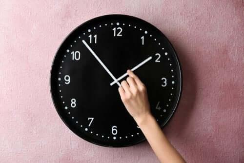 Wie beeinflusst uns die Zeitumstellung?