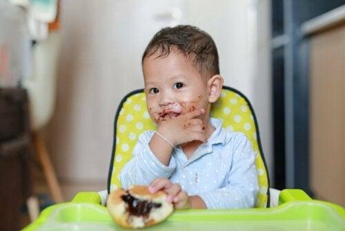 Gesunde Lebensmittel für kleine Kinder