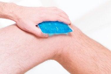 Schmerzen bei Luxation der Kniescheibe