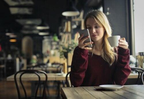 Neue Gewohnheiten entwickeln: Weckruf per Handy