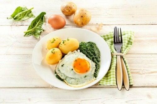 Gesunde Ernährungsformen: vegetarische Diät mit Eiern