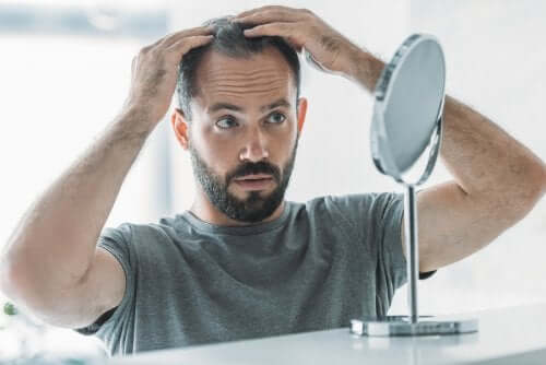 Androgenetische Alopezie: Ursachen, Symptome und Behandlung
