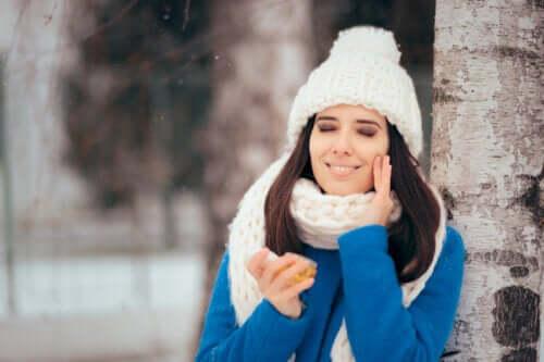 Fettige Haut im Winter: Was hilft dagegen?