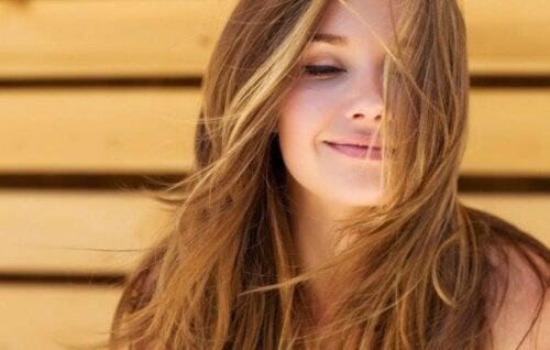 Biotin für schönes Haar