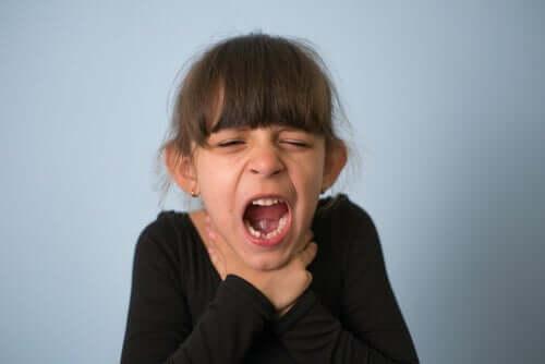 Verschlucken bei Kindern: Prävention und erste Hilfe