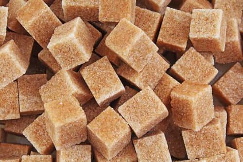 Braune Zuckerwürfel