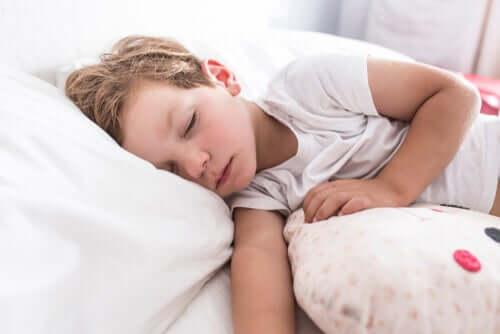 Kind ruhiger Schlaf