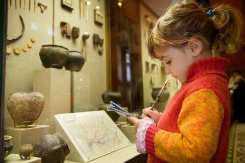 Wie kann ich das Interesse von Kindern an Museen fördern?