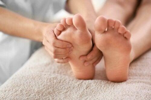 Schwarzer Zehennagel: Behandlung